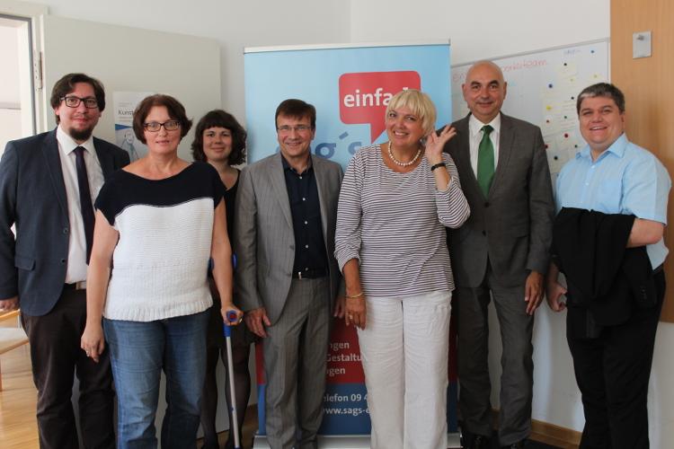 Besuch Von Claudia Roth Buro Fur Leichte Sprache Kjf Regensburg